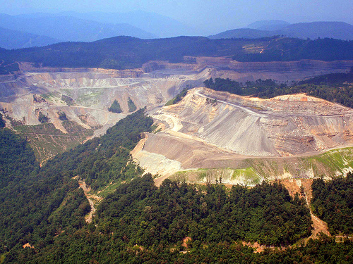 The effects of the mining technique known as mountaintop removal.  Photo: Desmogblog.com.