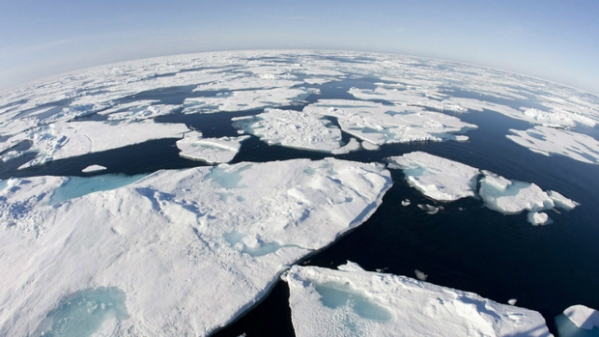 According to the latest projections, Arctic ice could disappear as early as 2022.  Photo: Canadian Press.