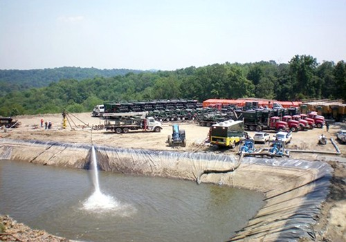 Waste water from hydraulic fracturing.  Photo: Ecowatch.org.